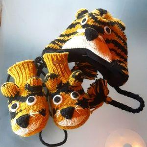 Tiger matching set hat & mittens child